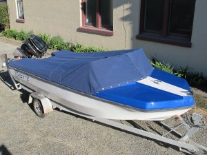 Custom fitted Boat Cover